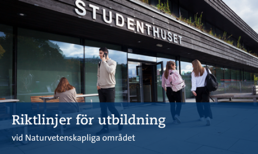 Studenter utanför studenthuset, Stockholms universitet